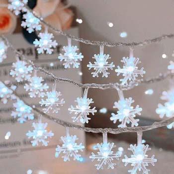 7: Woochic Christmas Snowflake String Lights